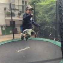Jim hüpft